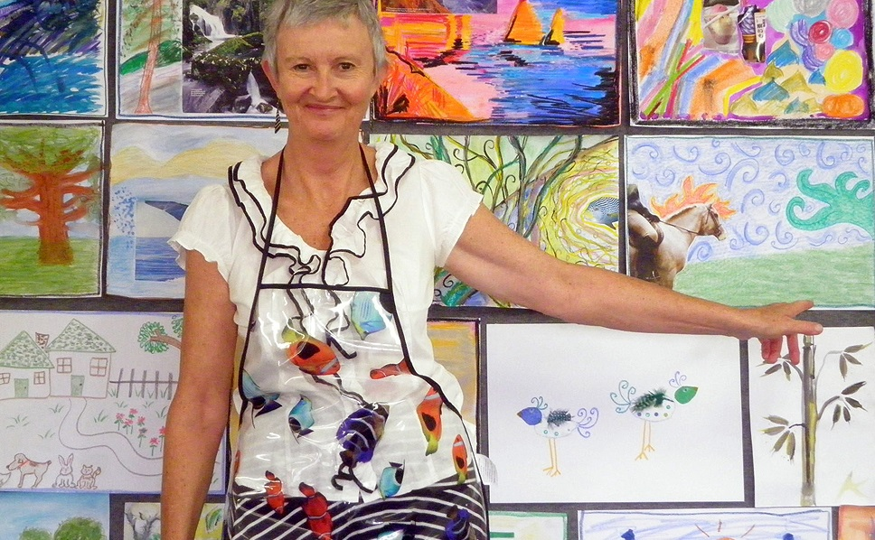 Jackie Lewis, Counsellor And Art Therapy Consultant working with Alzheimer's Australia WA Ltd - with class images